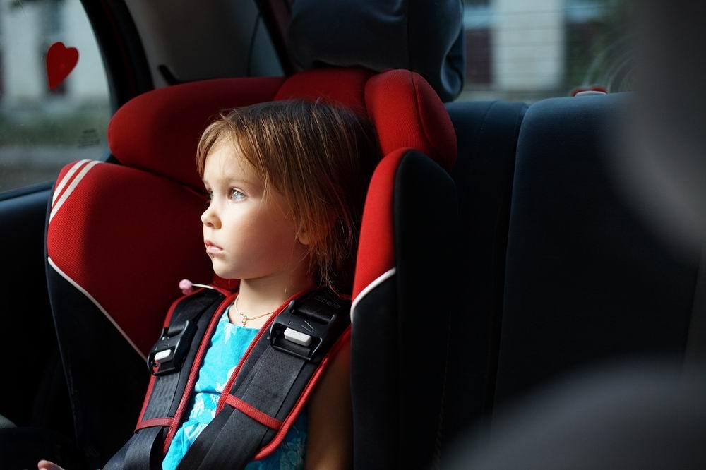 Картинки по запросу штраф за оставление ребёнка в машине